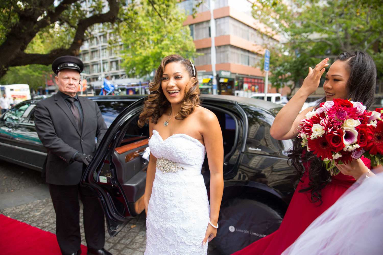 auckland wedding bride arrive at st matthew-in-the-city church
