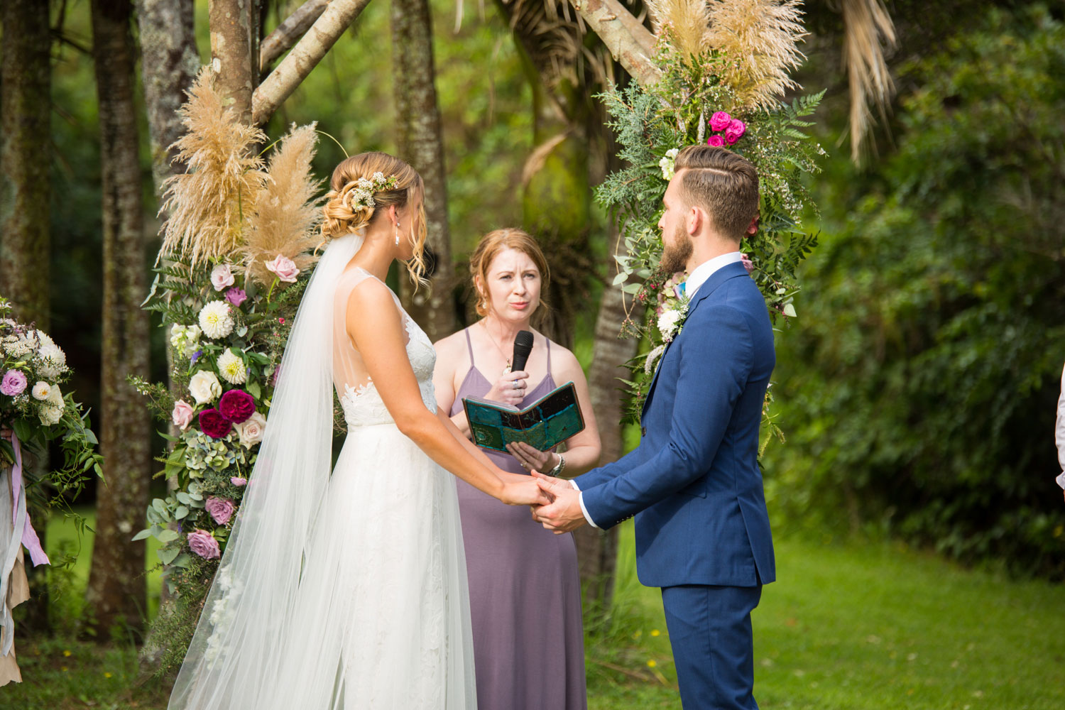 auckland wedding couple and celebrant
