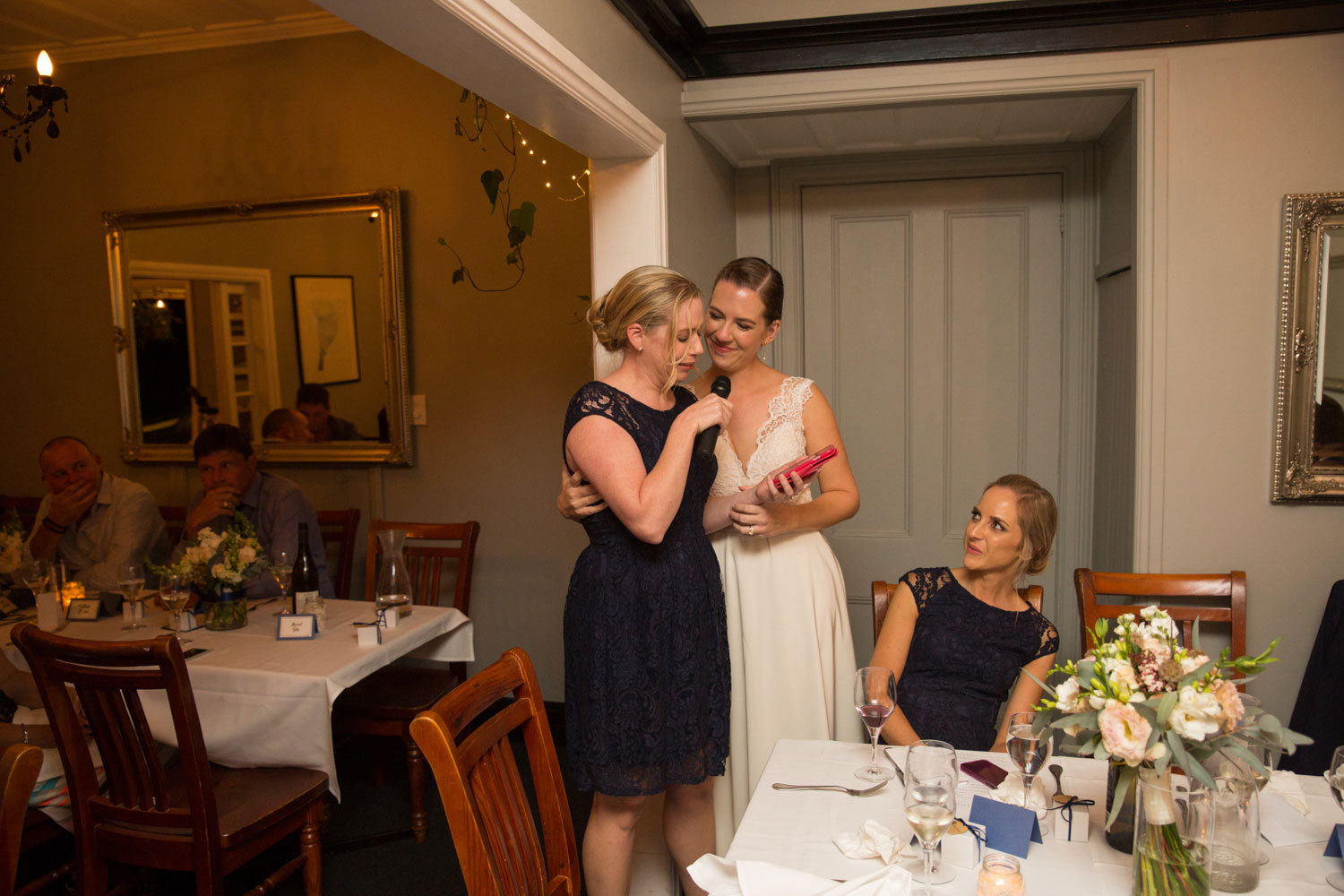 wedding photographer auckland bride and bridesmaid speech
