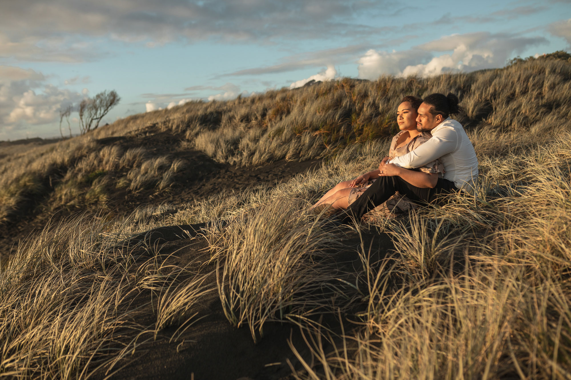 muriwai beach new zealand engagement session