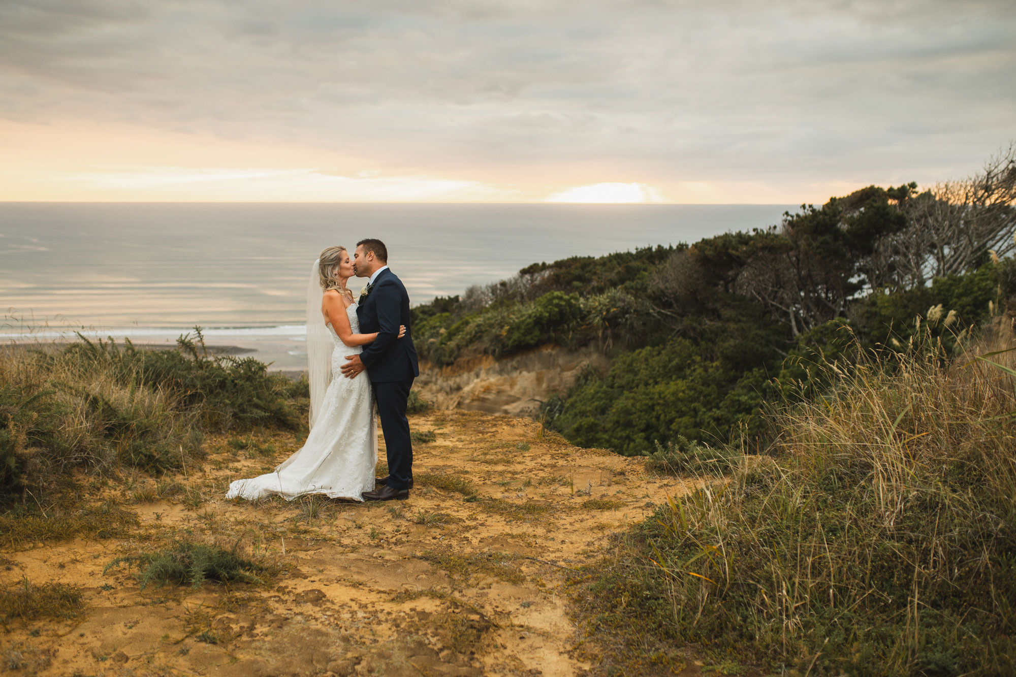 auckland castaways wedding sunset photo