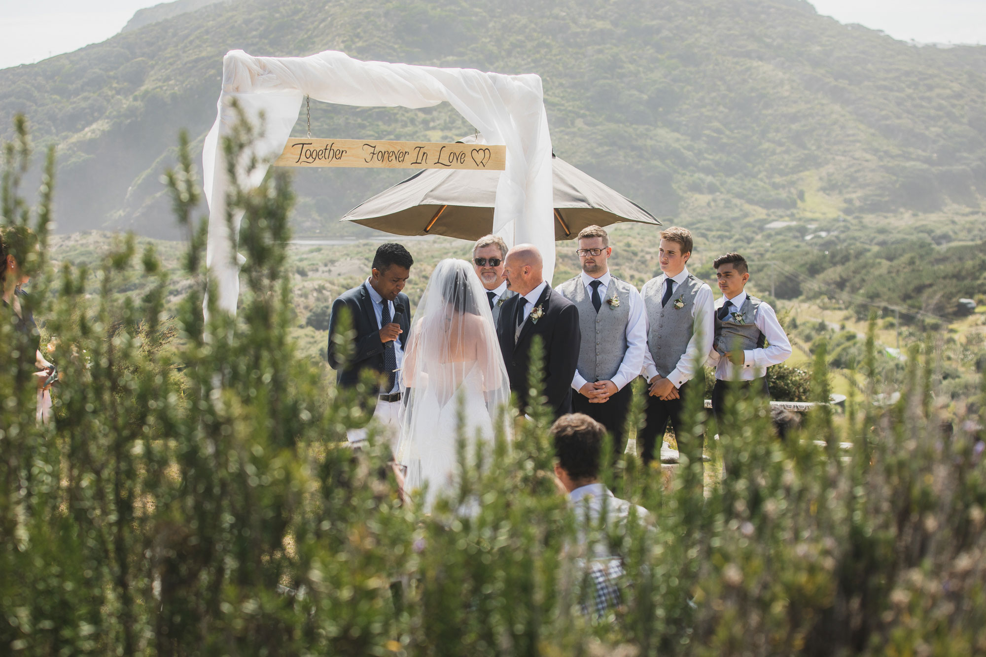 bethells beach cottages wedding ceremony