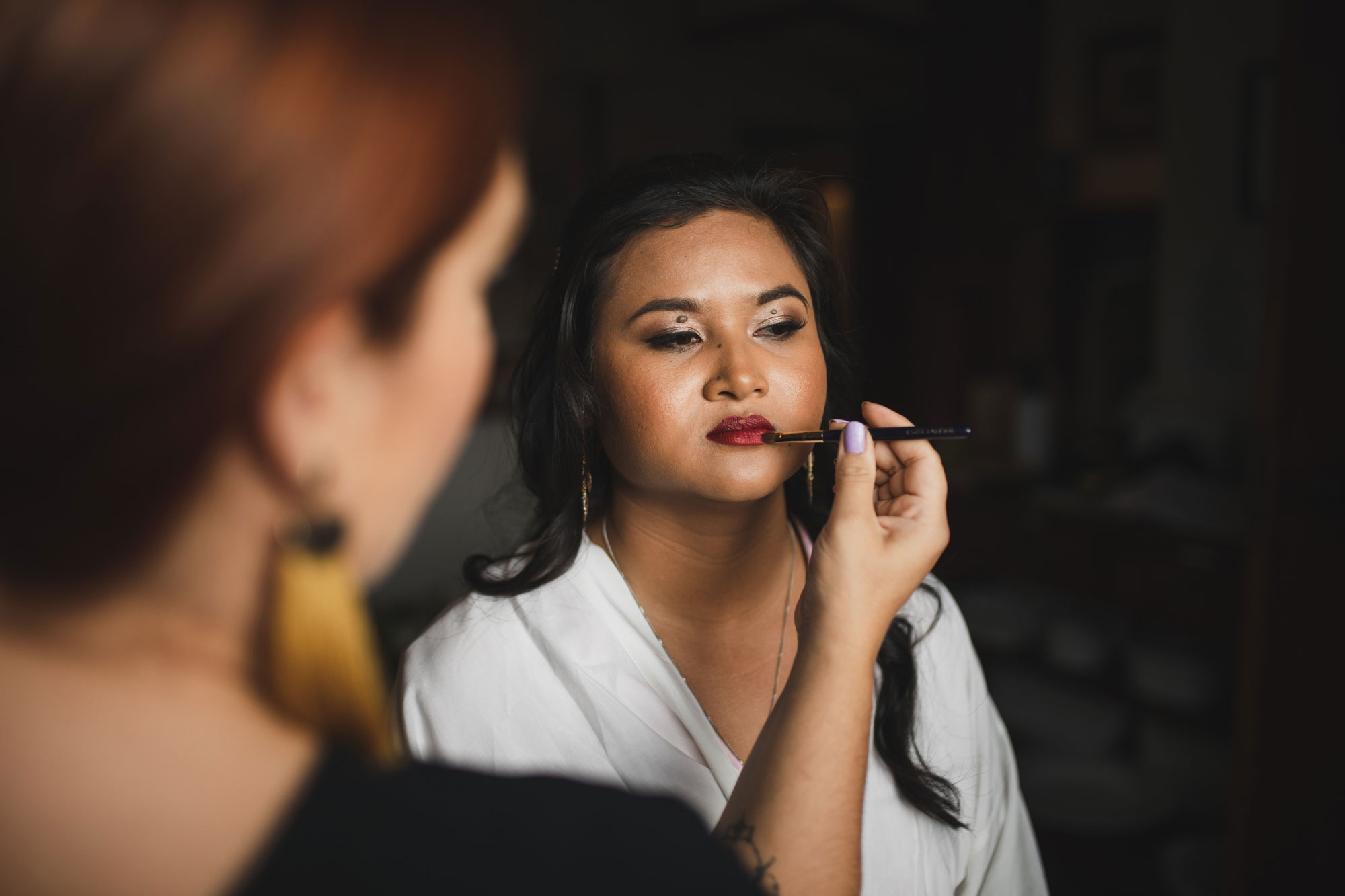 hawke's bay wedding bride getting ready